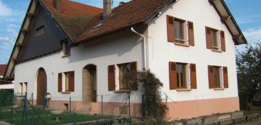 Maison, 6P, 260 m2 au sol, sur 1300 m2 de terrain.  Saulcy sur Meurthe